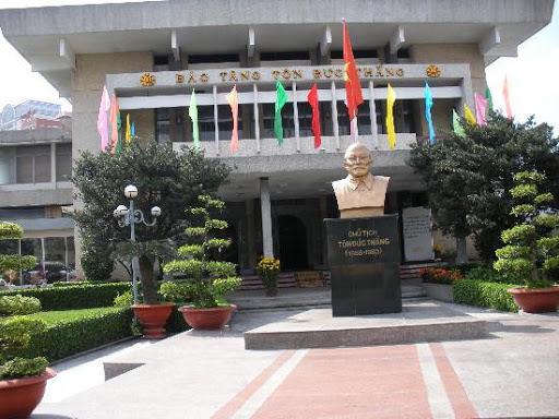 bảo tàng lịch sử nổi tiếng